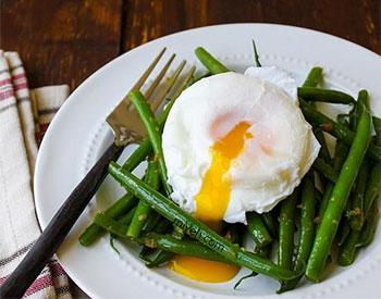 مارچوبه و تخم مرغ